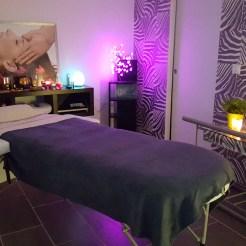 Espace privatisé dédié au massage du cuir chevelu