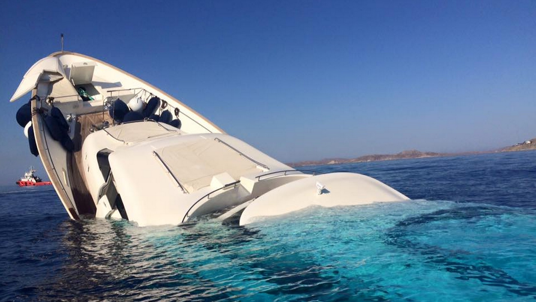 This Is What A 12 Million Yacht Looks Like Sinking