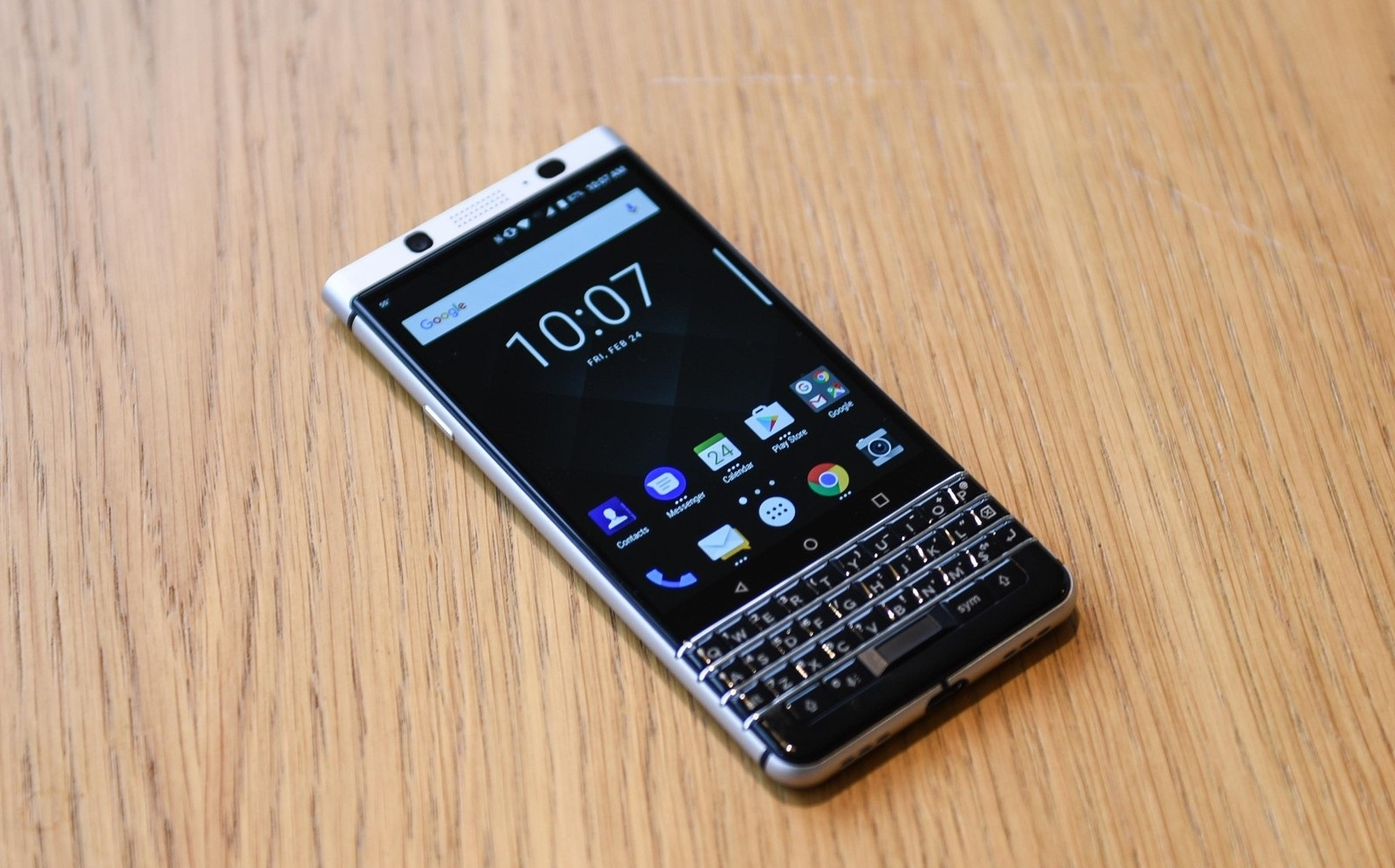 Black Wallpaper Iphone 7 Plus Blackberry Is Back Again With A Physical Keyboard