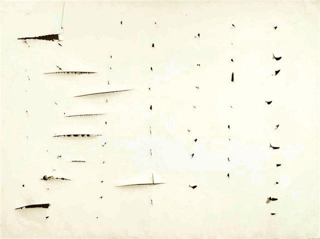 Lucio Fontana (1899 - 1968) Uzamsal Kavram, 1957 - 58 Kâğıt tuval üzerine kesikler 97 x 130 cm Özel Koleksiyon, Londra
