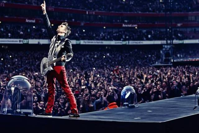 Matthew Bellamy, rock grubu Muse'un solisti, gitaristi ve piyanistidir.