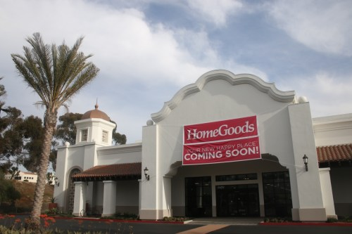 A sign outside a storefront at the Estrella Plaza states HomeGoods is coming soon. Photo: Eric Heinz
