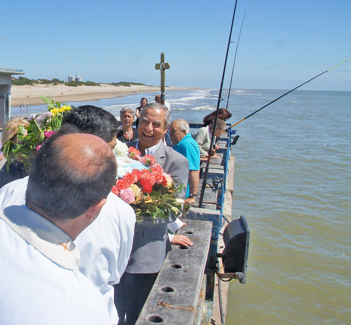On Nov. 23, 2010, San Clemente del Tuyu, Argentina, celebrated Nov. 23 with a St. Clement's Day procession that started at the pier, then headed downtown. Photo: Fred Swegles