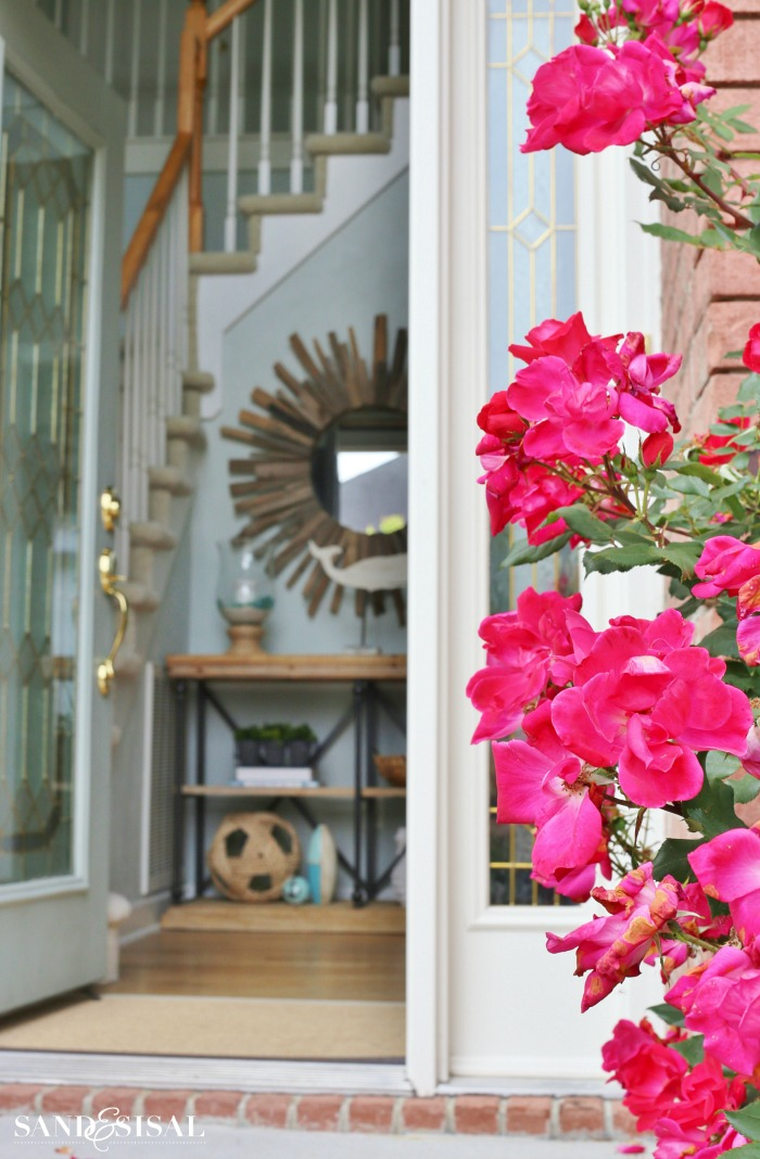 4 Simple Ways to Create a Welcoming Entryway - call sheet example