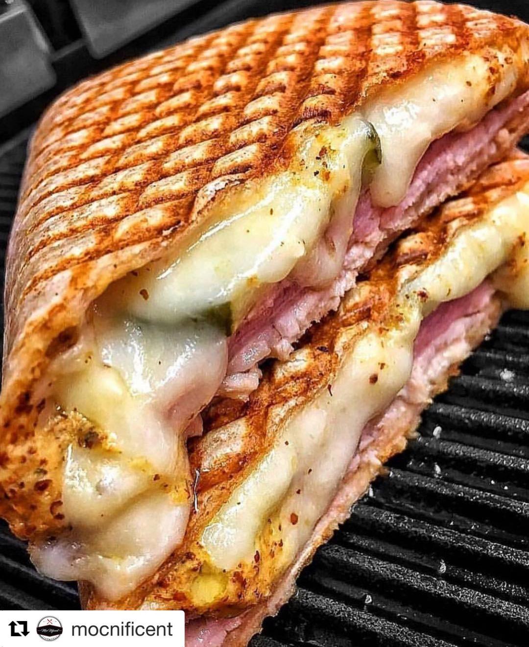 Sandwich Madness: Mocnificent