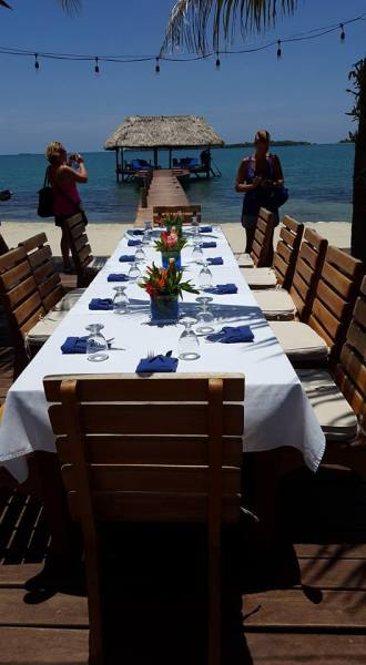 lunch-at-chabil-mar