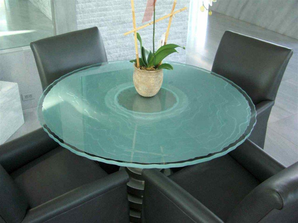 Onde Lineari Glass Dining Tables Sans Soucie