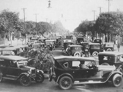 Trânsito na Avenida Paulista em 1928.