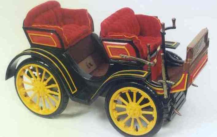 Primeiro carro a circular em SP foi um Peugeot desse modelo, tipo 15.