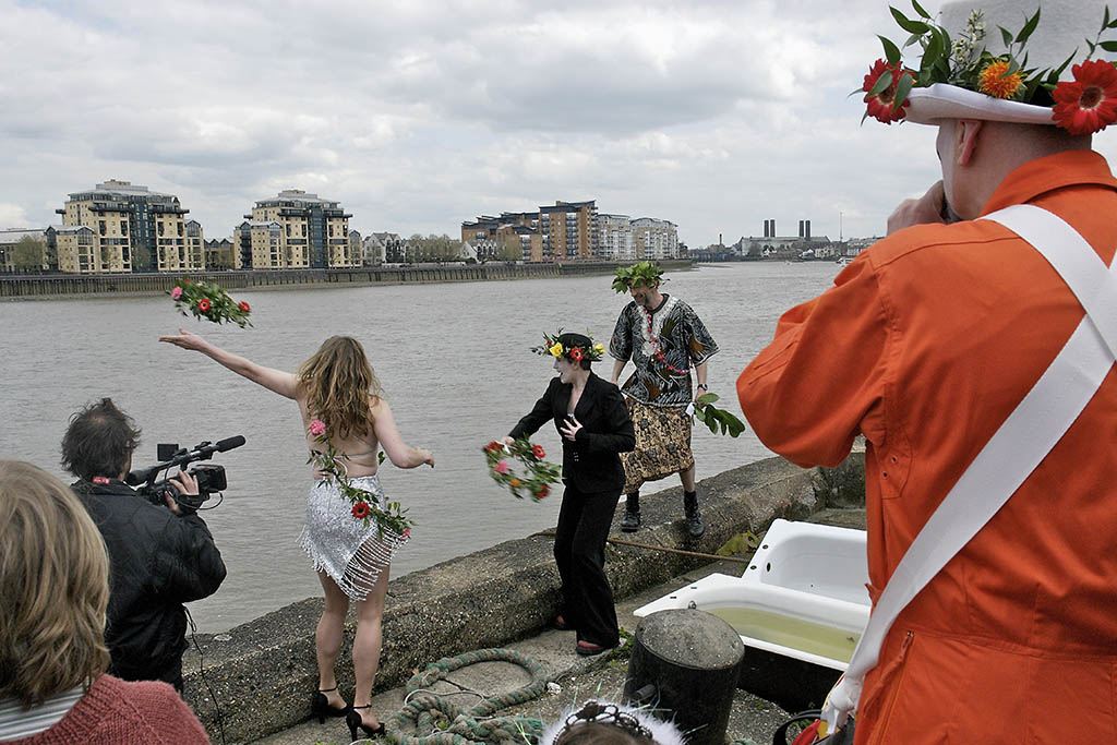 Offering flowers to the Thames, Deptford Jack in the Green, London, 2006