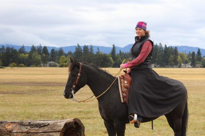 Arctic Horse Tongass Rain Skirt Black