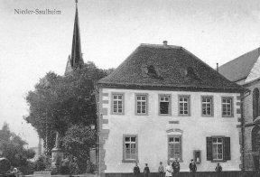 Neue Pforte Altes Rathaus mit Germania Bild von B. Thomas