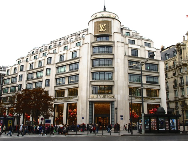 Photograph-Paris-France-Louis-Vuitton-Shopping-Tourists-People