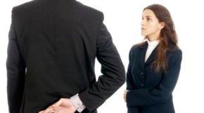 Kako prepoznati lažljivca – neverbalni znakovi
