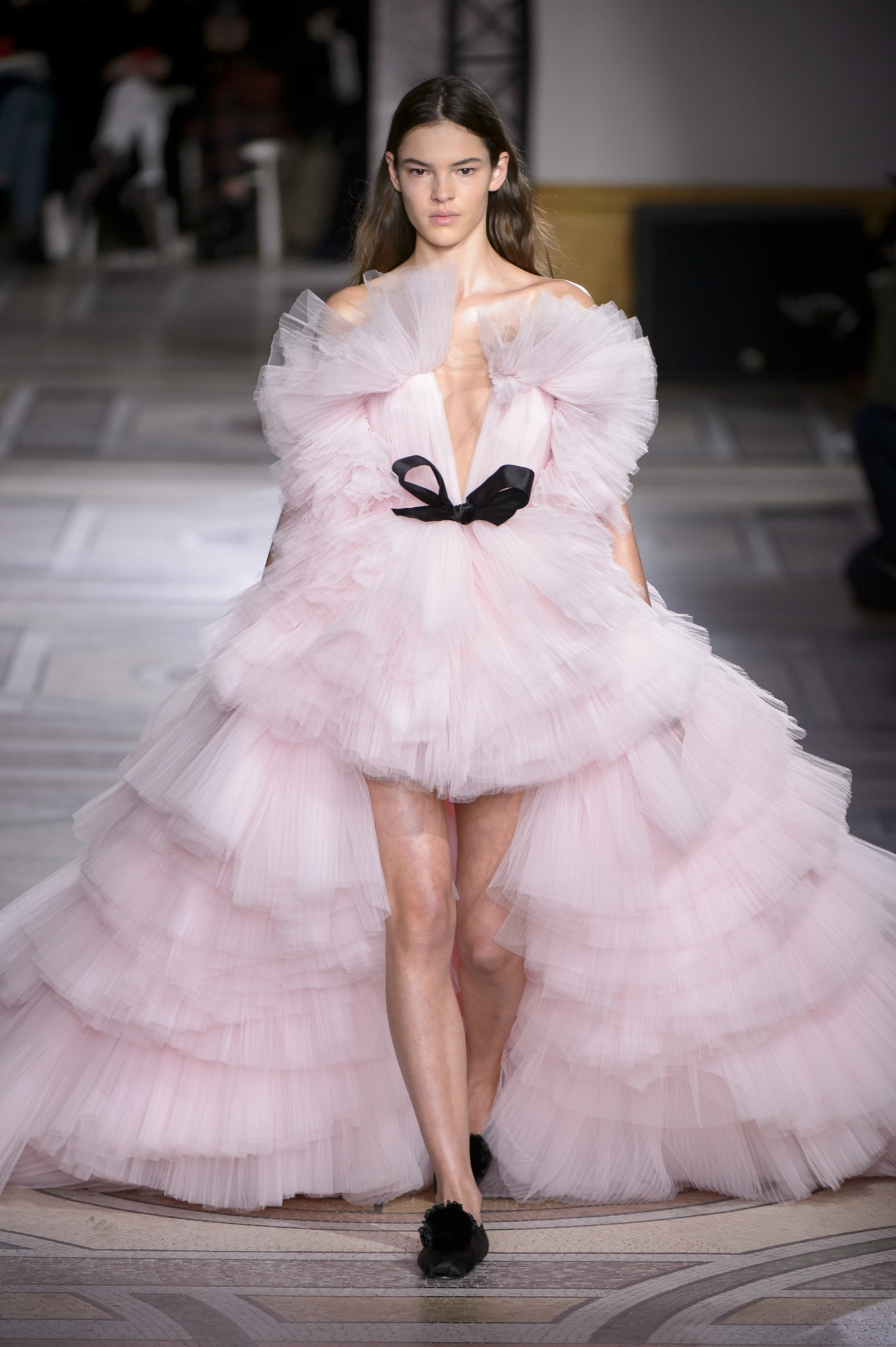 Runway Review For Giambattista Valli Spring 2018 Couture Savoir Flair