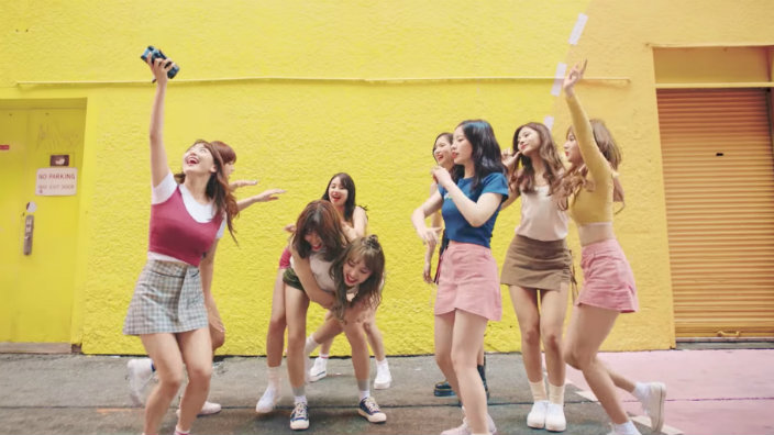 Be Happy Girl Wallpaper Fans Think Twice Hid Easter Eggs For Their Next Single In