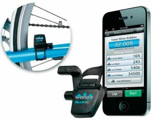 Cadence monitors for iPhone and Android smartphones.