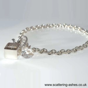 memorial jewellery swarovski ashes charm