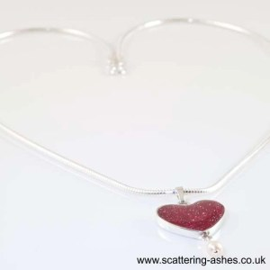 memorial glass necklass heart sq
