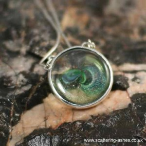green discSilver ashes memorial jewellery Cu