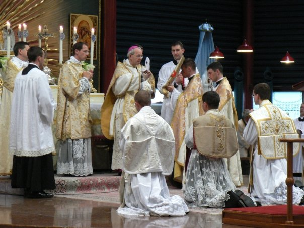 07-ordination-abbe-barker-veture