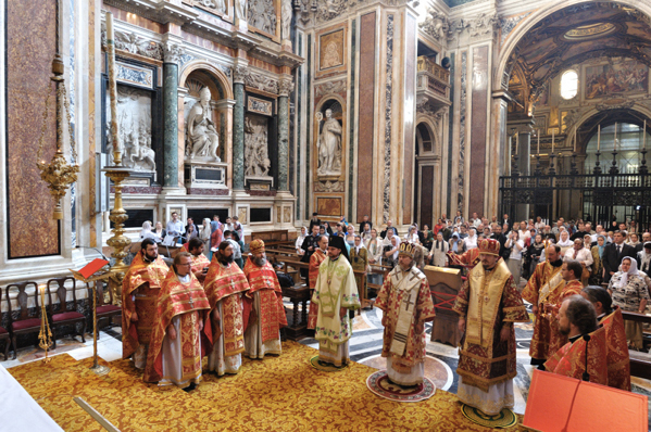 Divine liturgie pontificale par un évêque orthodoxe dans Sainte-Marie-Majeure