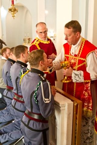 Communion des fidèles dans la messe traditionnelle