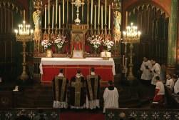 05 - Prières au bas de l'autel