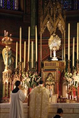 17-Messe de reposition des Quarante-Heures coram Sanctissomo - au Pater