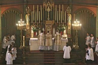 04 - Dimanche du Bon Pasteur 2016 - montée à l'autel