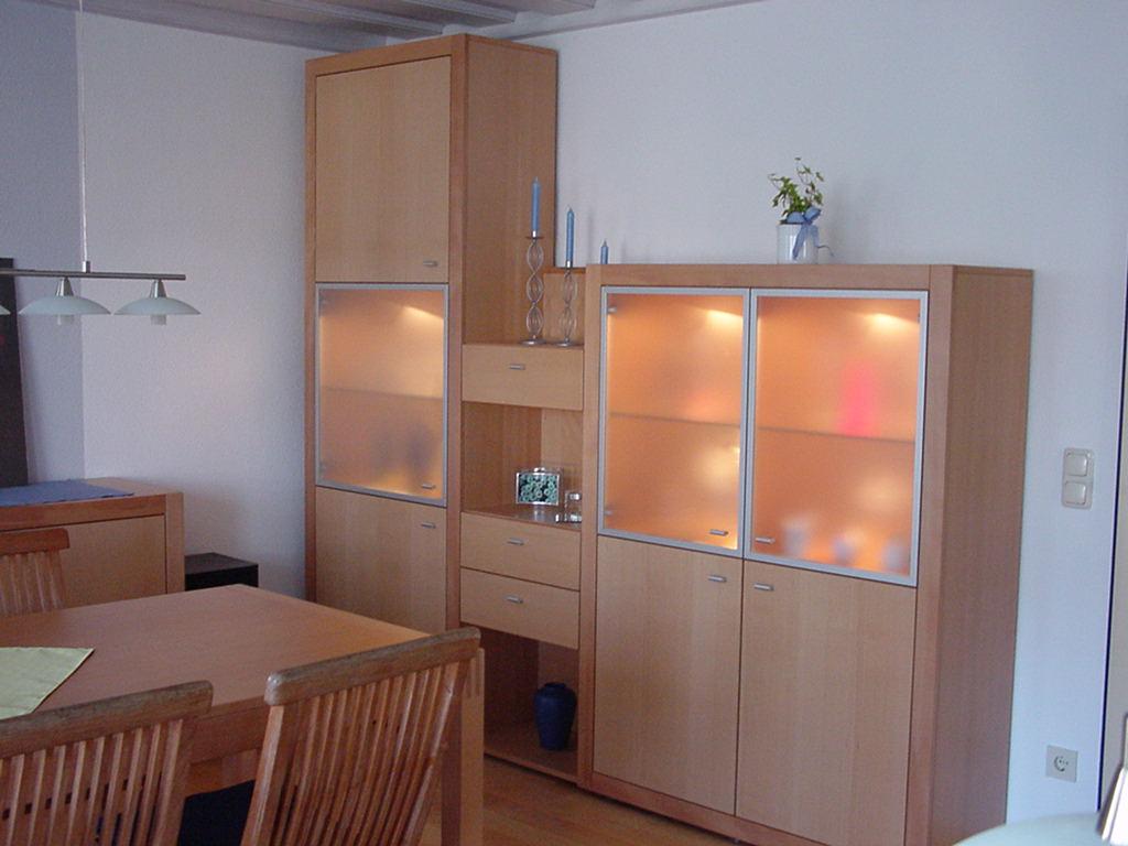 Wohnzimmereinrichtung In Ged Rotbuche Mit Satinierten Verglasungen Aluminium Rahmen Esstisch Wohnzimmertisch Schrank Vertikal Schiebetren