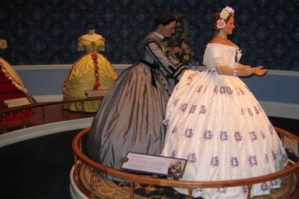 Elizabeth Keckley shown dressing Mary Todd Lincoln Image: Lincoln Library and Museum http://communities.washingtontimes.com/neighborhood/civil-war/2012/oct/26/civil-war-mary-todd-lincolns-dressmaker-and-confid/#ixzz2qjX3KdoU