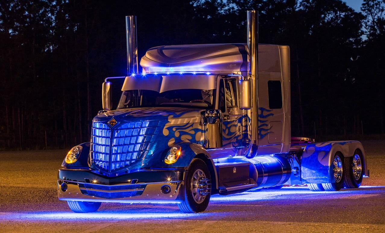 Car Lights Night Wallpaper How We Shipped The 60 000lb Navistar Quot Blade Quot Truck