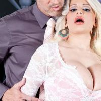 Holly Brooks - Hot For Holly