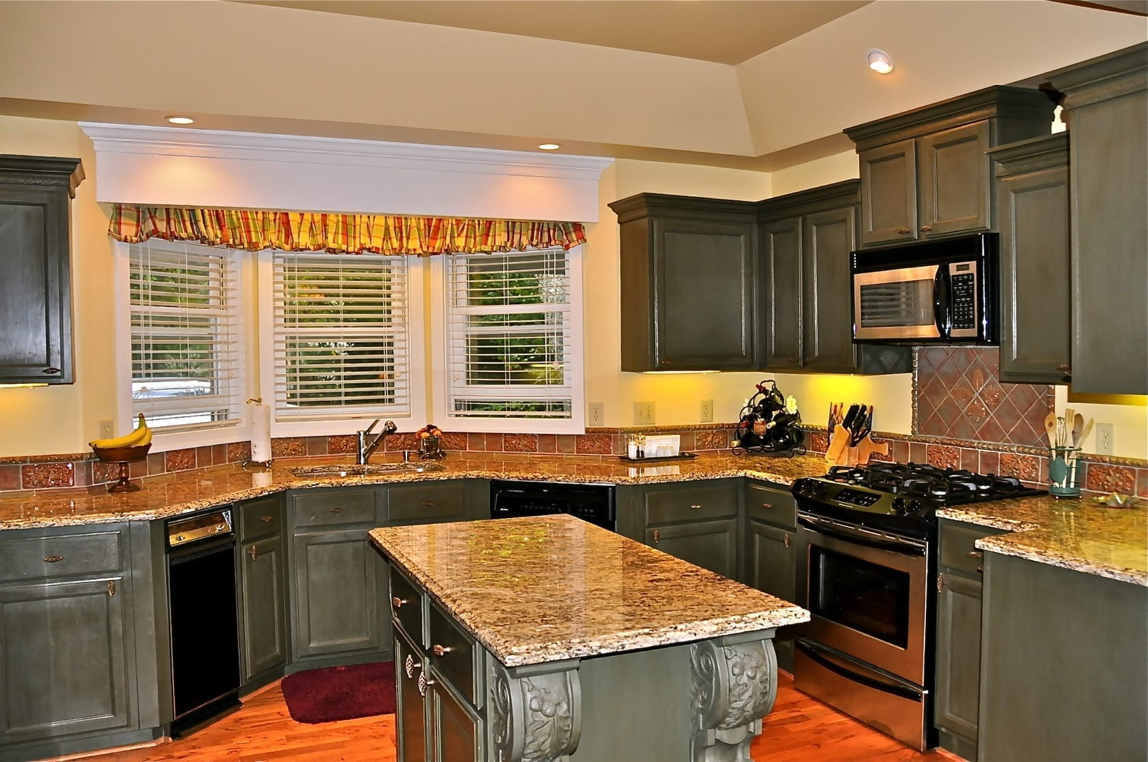 kitchen remodel remodeling a kitchen kitchen remodel 10 Sell or Remodel Get The Most For The Dollar