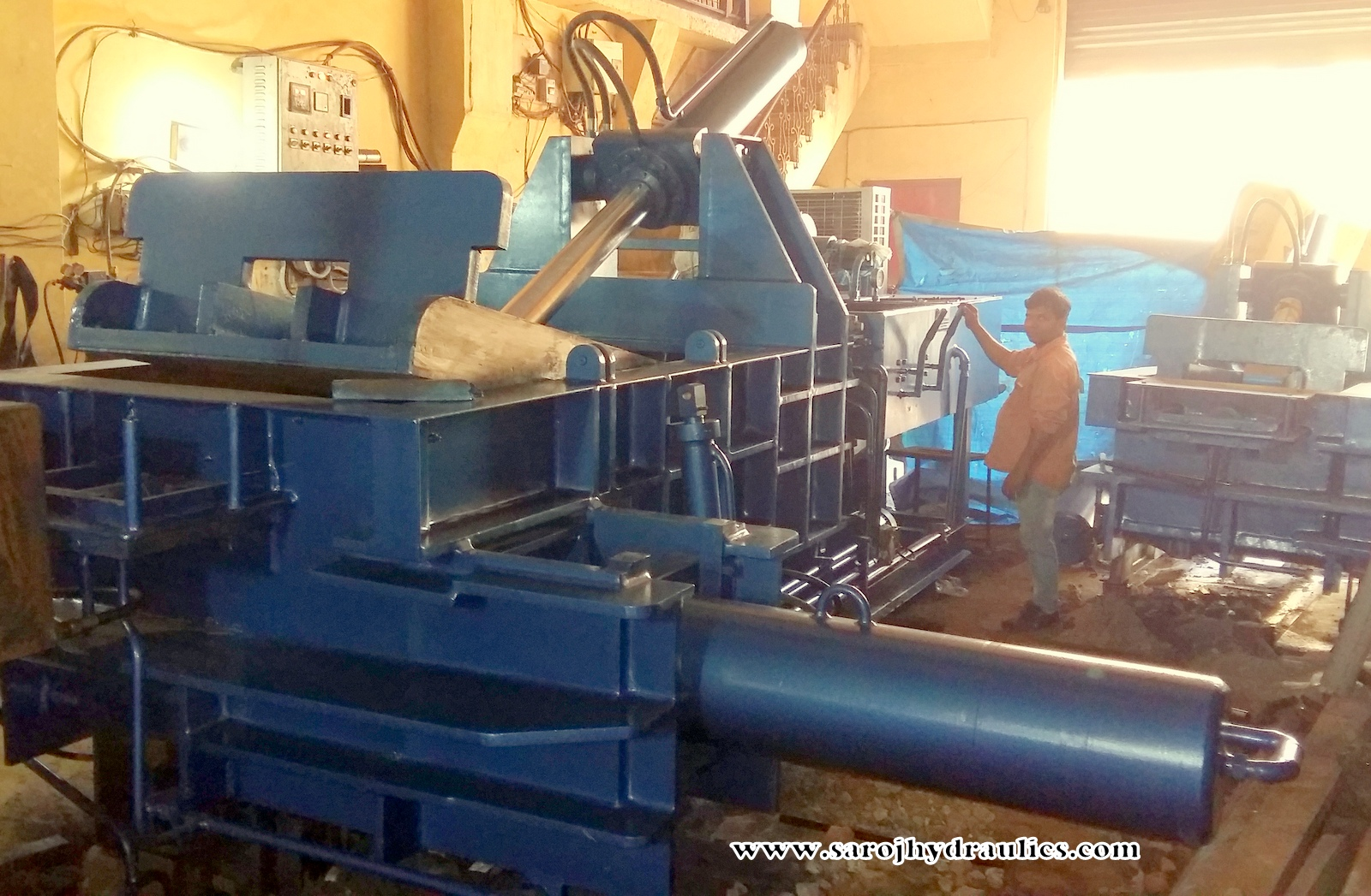 scrap processing baler machine