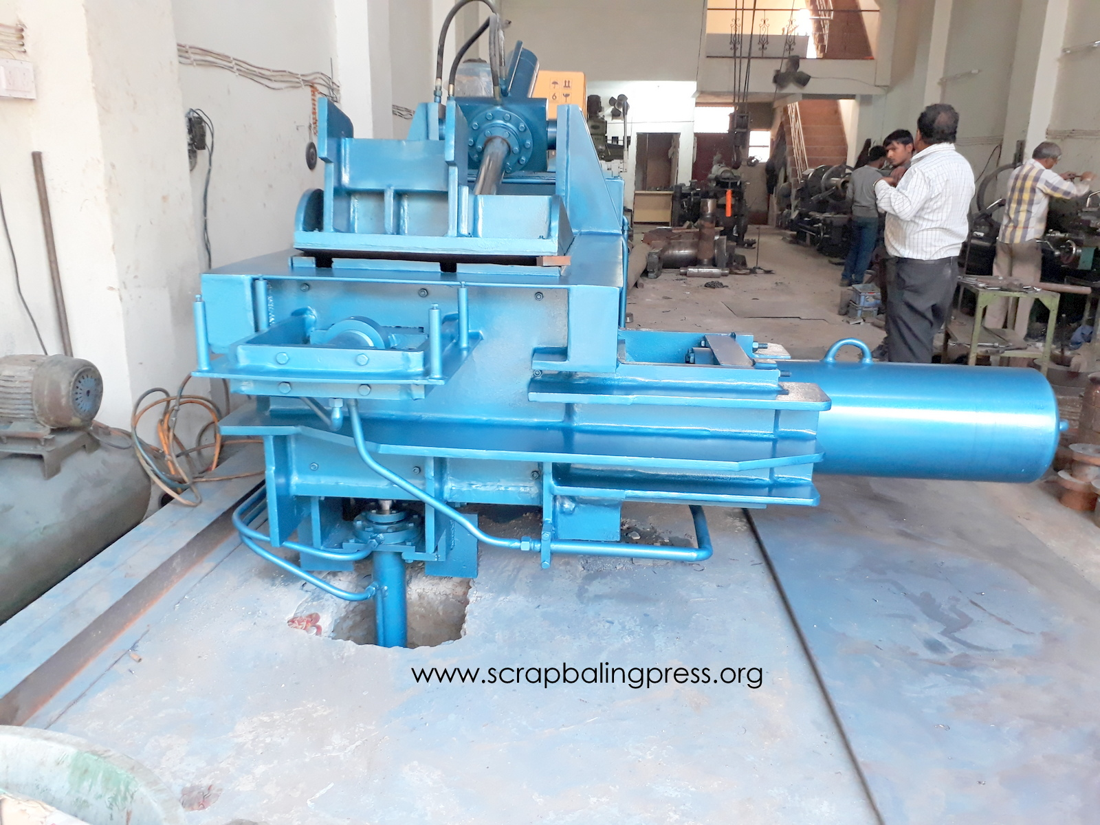 triple action paper baling machine