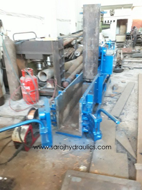 double action manual door baling pess