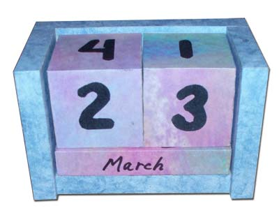 Gomantiques Year Perpetual Calendar Paperweight
