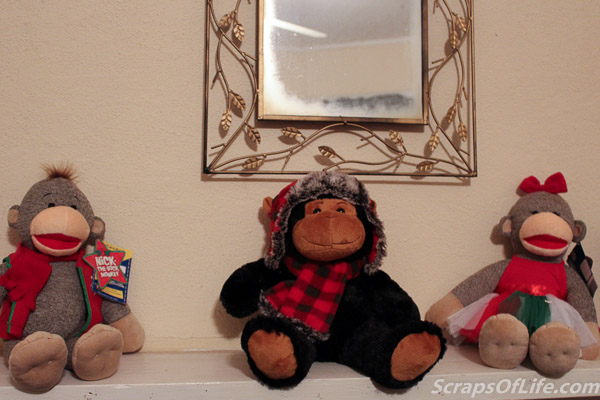 And these guys are still chilling on the mantle from the holidays. The ones on either end are Nick and Joy from Build-a-Bear--why they didn't stick with the Ns and call her Noel I'll never know. But we call her Noel.