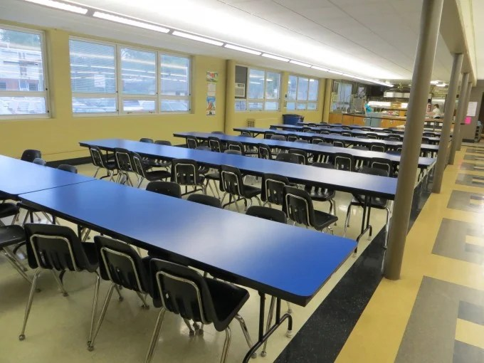 High School Room Dividers For Distraction Free Learning - Screenflex