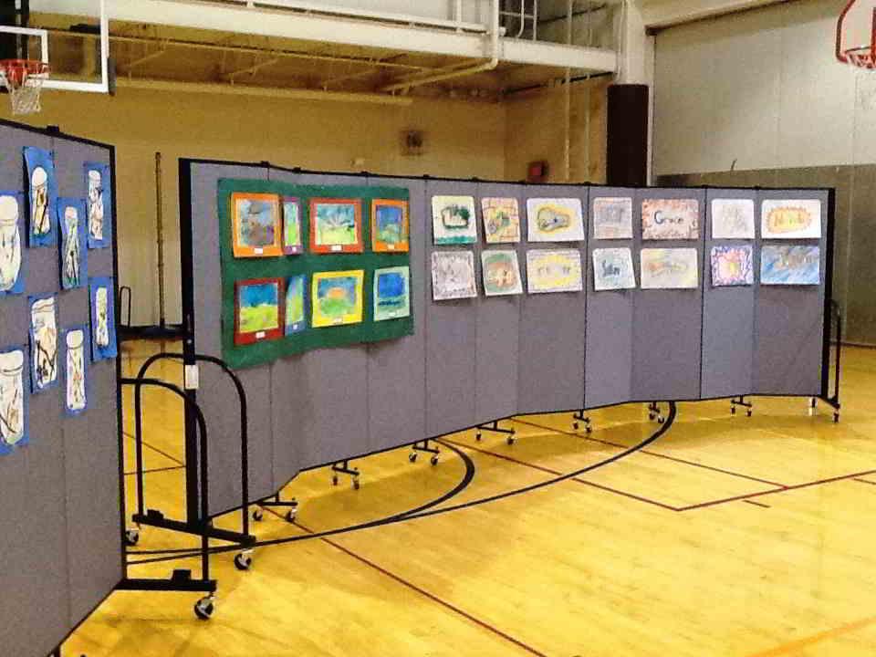 Create The Perfect Student Artwork Display - Screenflex