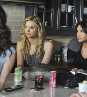 TROIAN BELLISARIO, ASHLEY BENSON, SHAY MITCHELL, LUCY HALE. ©ABC FAMILY/ERIC MCCANDLESS.