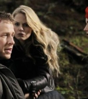 """ONCE UPON A TIME- """"Red Handed"""" Pictured Josh Dallas, Jennifer Morrison, Meghan Ory. ©ABC Television Network"""