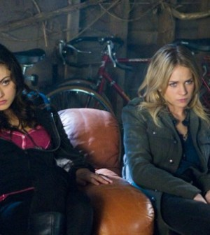 Phoebe Tonkin and Britt Robertson in The Secret Circle's Sacrifice Episode. Image © The CW Netowrk.