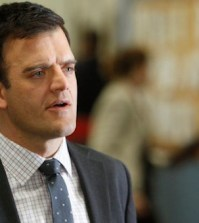 Kevin Weisman as Hawkins in 'Two Birds' on AWAKE (Photo by Jordin Althaus/ © NBC)