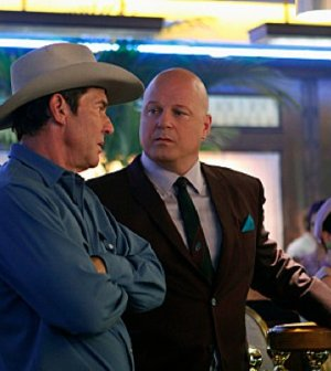 Dennis Quaid (l) and Michael Chiklis (R) in Vegas. Photo credit: Monty Brinton/CBS