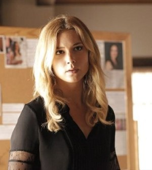 Emily VanCamp as Emily Thorne. Image © ABC Television Network