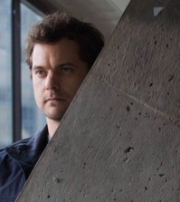 Joshua Jackson as Peter Bishop on FRINGE 'The Human Kind' (Photo © Cate Cameron/FOX)