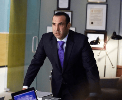 The expression poor Louis (Rick Hoffman) wears through much of the episode. Image © USA
